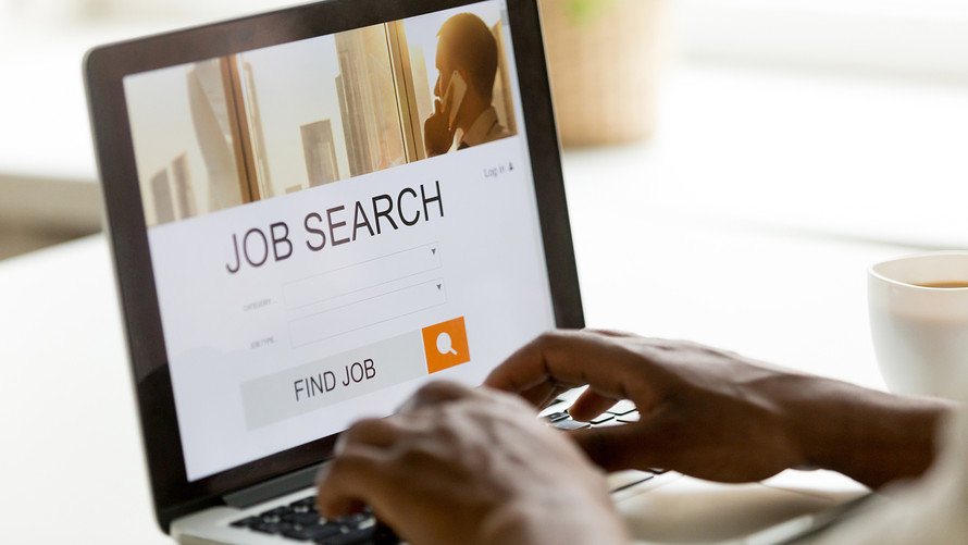 What You Should Know About Using a Recruiter to Find a Job